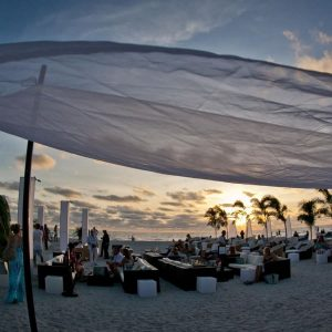 SUNSET LOUNGE EXPERIENCE @ TRADEWINDS ISLAND RESORTS ON ST PETE BEACH | Saint Pete Beach | Florida | United States