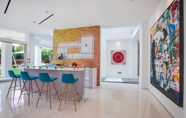 adding pizzaz to a modern estate
