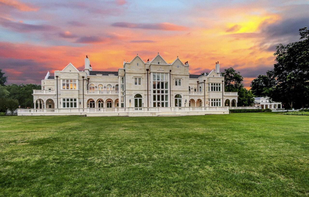 Avila Golf and Country Club estate